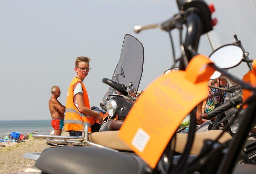 katwijk fietscoach op strand katwijk nieuws actueel rijnsburg